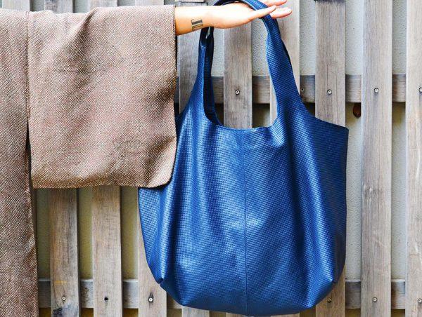 Luce's deep blue XXL bag