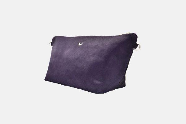 Purple leather pouche 3/4 front
