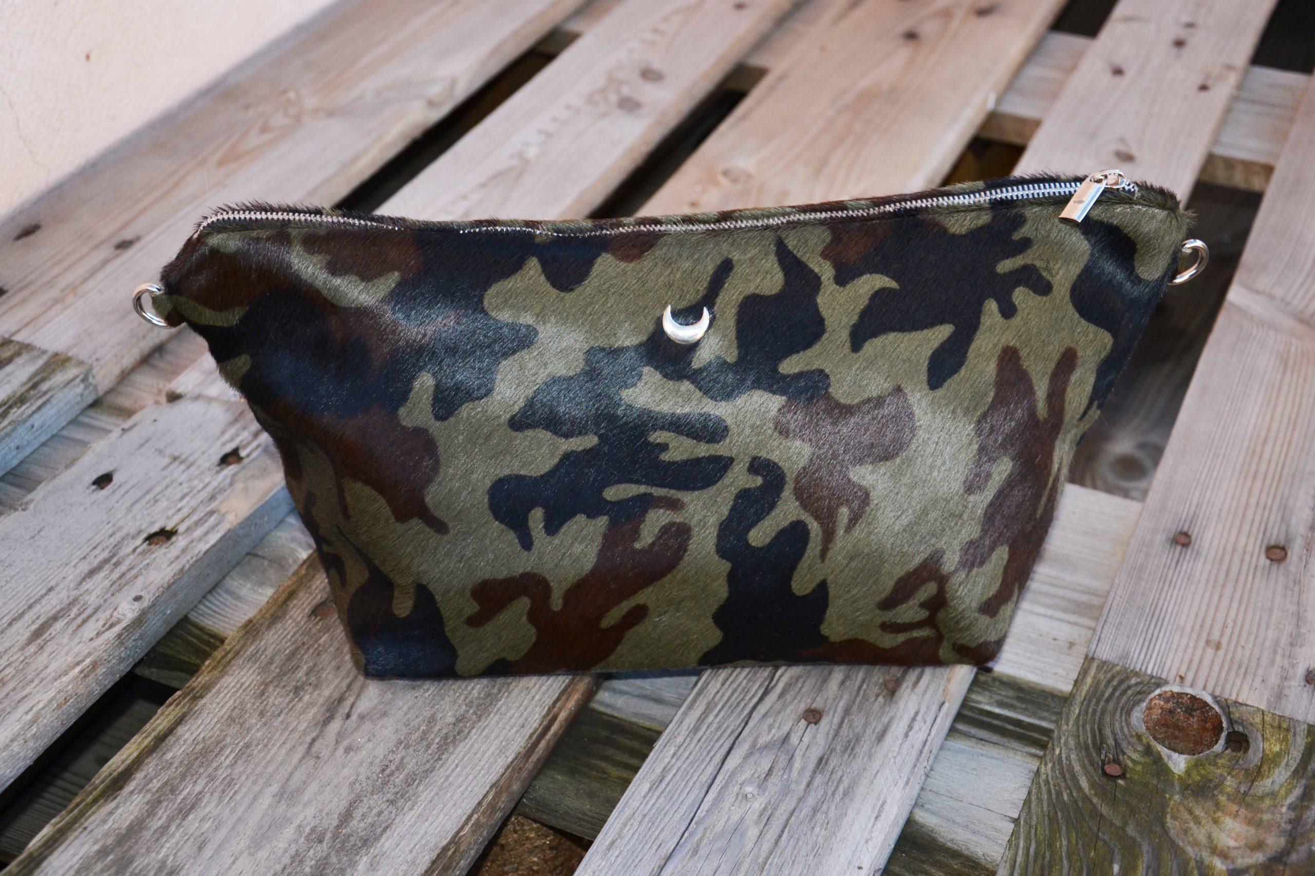 LUCE Khaki leather clutch