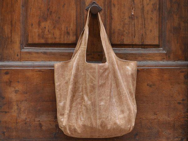 Luce's light brown XXL bag